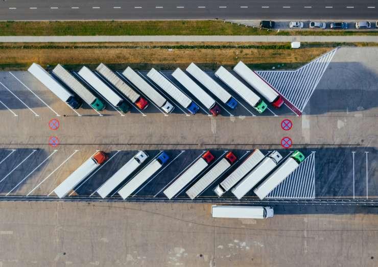 Transporte de mercancías especiales: tipologías y condiciones por tierra, mar o aire