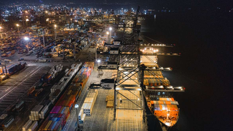 Actividades portuarias: ¿qué es la estiba y la desestiba de mercancías?